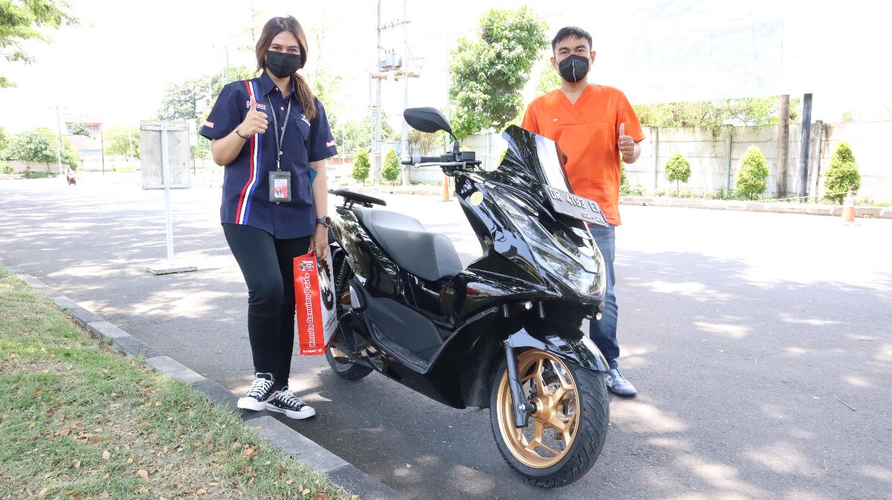 Handling Lincah, Stop and Go Asik bersama PCX 160
