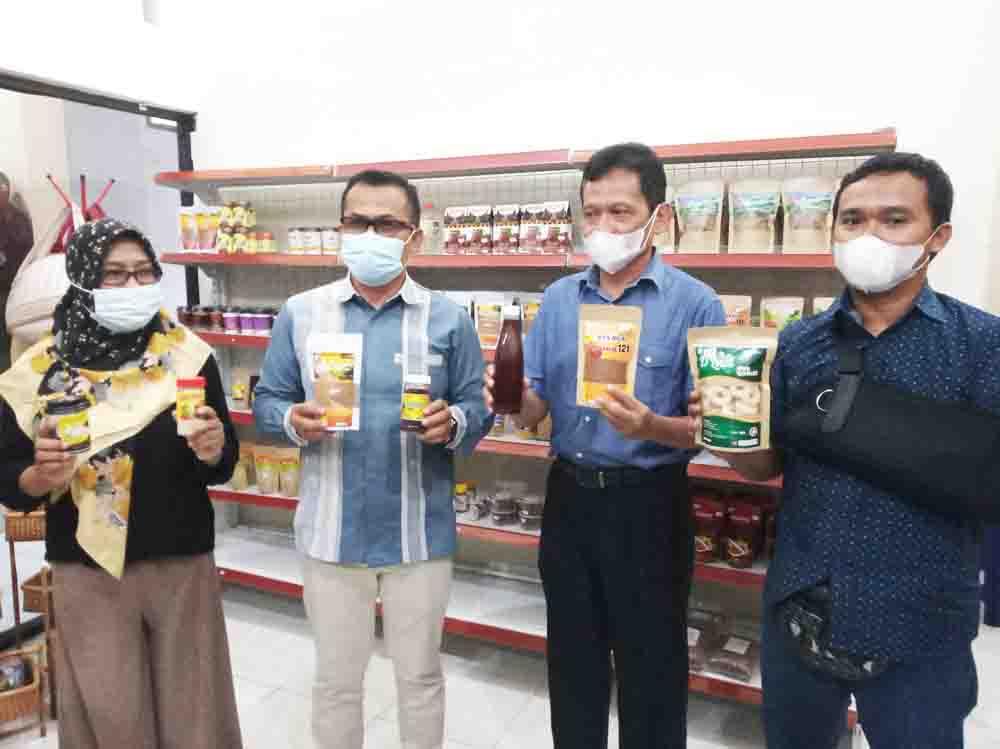 Hasil Produk UMKM Se Pulau Lombok Ada di Bale Kampoeng UMKM NTB