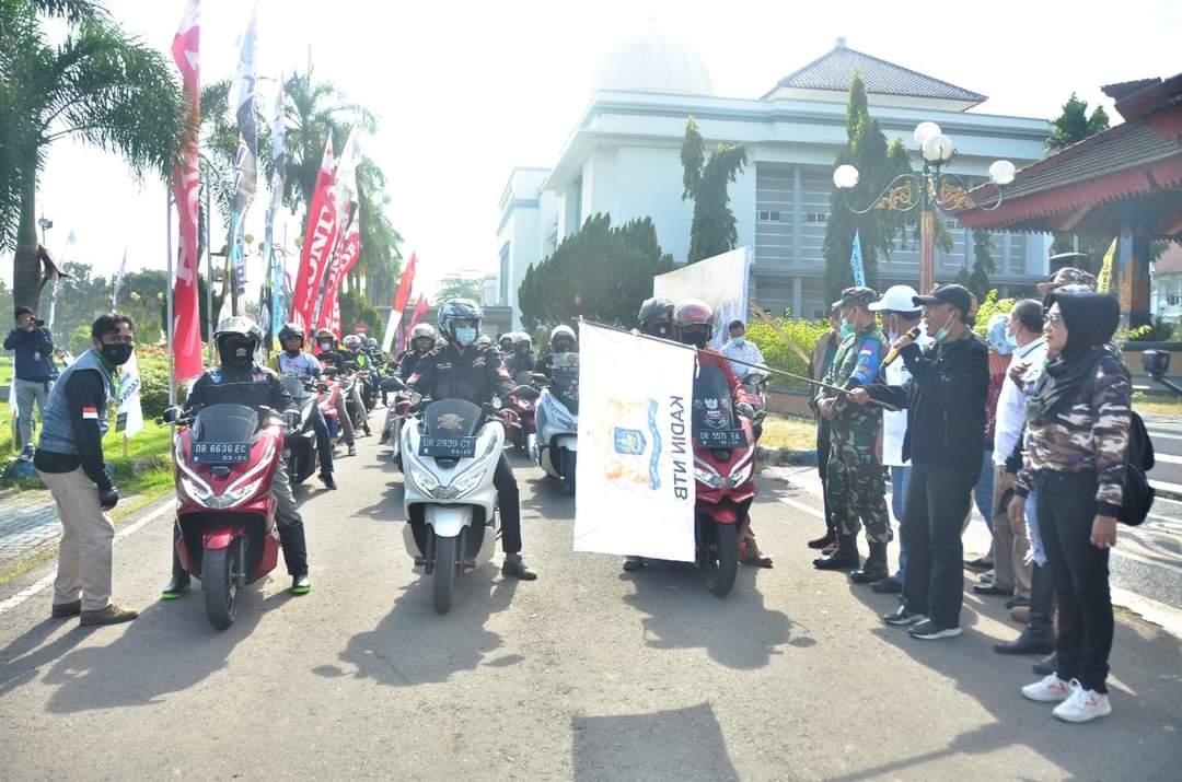 Bupati dan Wabup Tour Naik Motor ke Mekaki Sekotong