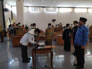 Bupati lombok barat lantik jaksa utama tinggi pratama menjadi inspektur kabupaten lombok barat.