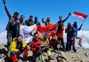 Telkom NTB 'Clean Up' di Rinjani, Ikhtiar Zero Waste untuk NTB Gemilang