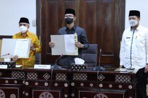 Penyerahan Laporan Hasil Pemeriksaan Atas laporan Keuangan Pemerintah Daerah Tahun Anggaran 2020
