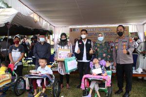 Rangkaian Hari Bhayangkara ke-75, Polres Lombok Barat Pilih Berbagi dengan Anak Berkebutuhan Khusus